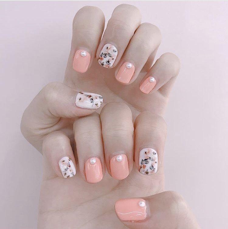 dainty floral nail print