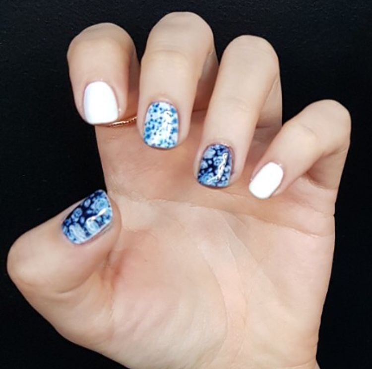 fresh blue and white floral nail print
