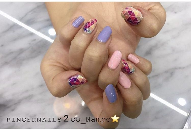 geometric nail print